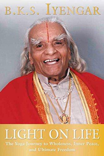 Light On Life (Iyengar Yoga Books)