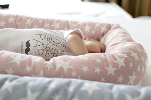 Mimuselina Cuco Nest Reductor   Cama Nido Desenfundable, Minicuna Portátil Colcheo, Reductor de Cuna, Chichonera, Cojín de Lactancia, Impermeable, Estampado Estrellas Rosa, 85x52 cm
